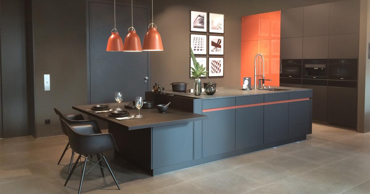 Schwarz sehen…und kochen – Schwarze Küchen als stilvoller Blickfang